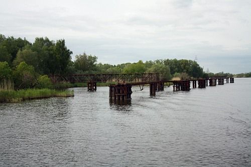Oder estuary / Zalew Szczeciński (POLAND): Scaffold to transport dredged sediments.